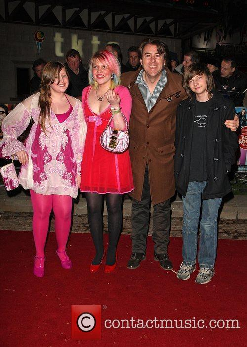 Jonathan Ross With His Children 4