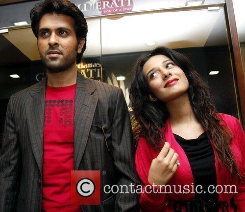 Bollywood film stars Harman Baweja and Amrita Rao...