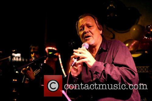 David Soul  performing for the first time...