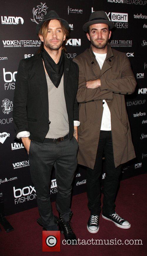 Peter Eaton Gurnz, Michael Utsinger Box Eight 2009...