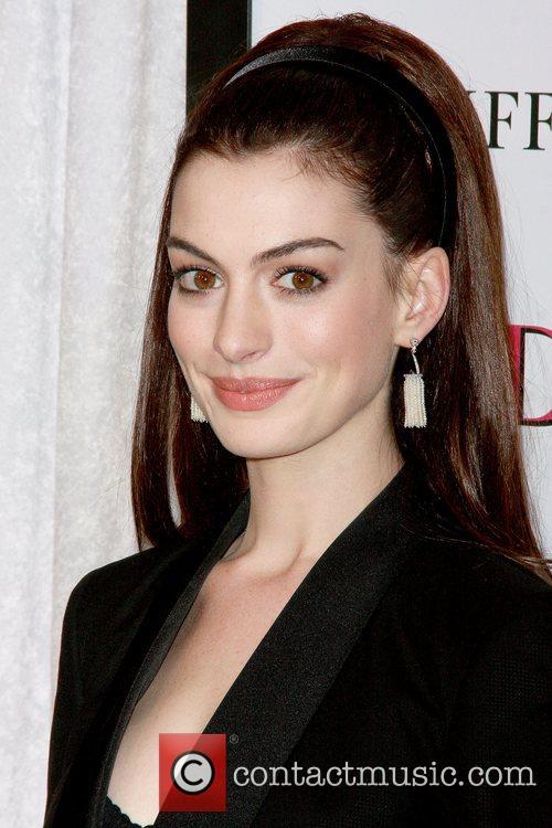 Anne Hathaway 11