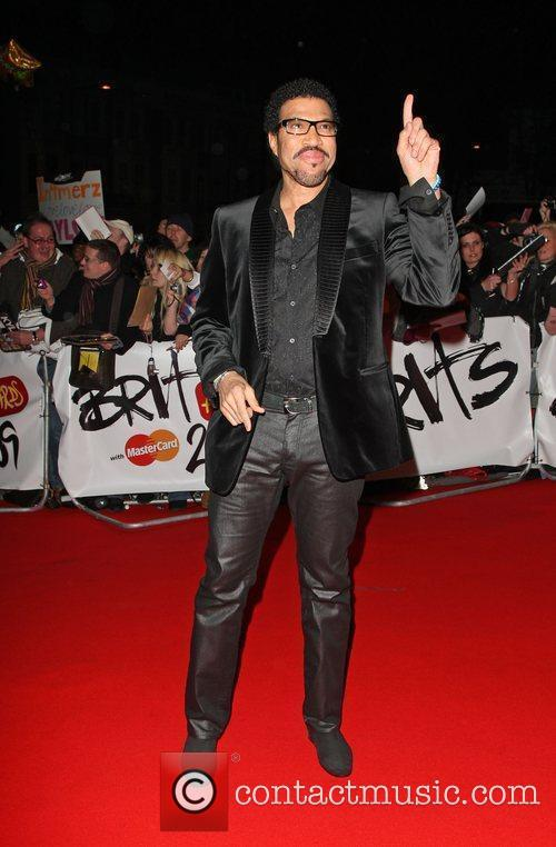 Lionel Richie The 2009 BRIT Awards - Red...