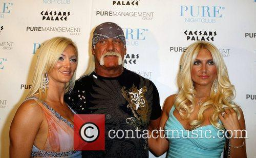 Jennifer Mcdaniel and Hulk Hogan 5