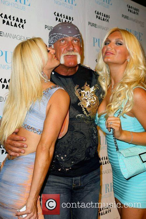 Jennifer Mcdaniel and Hulk Hogan 2