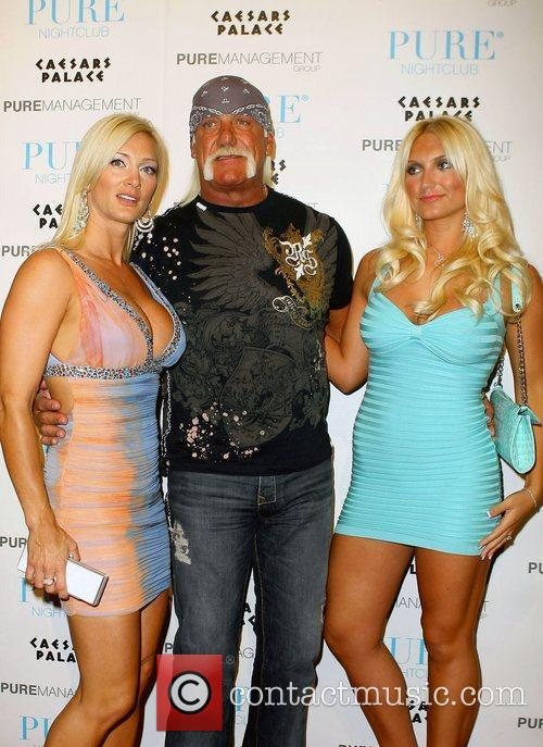 Jennifer Mcdaniel and Hulk Hogan 4