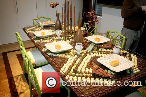 Atmosphere Brooke Shields unveils The Godiva Chocolate Decadence...
