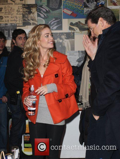 Denise Richards and Pierce Brosnan 6