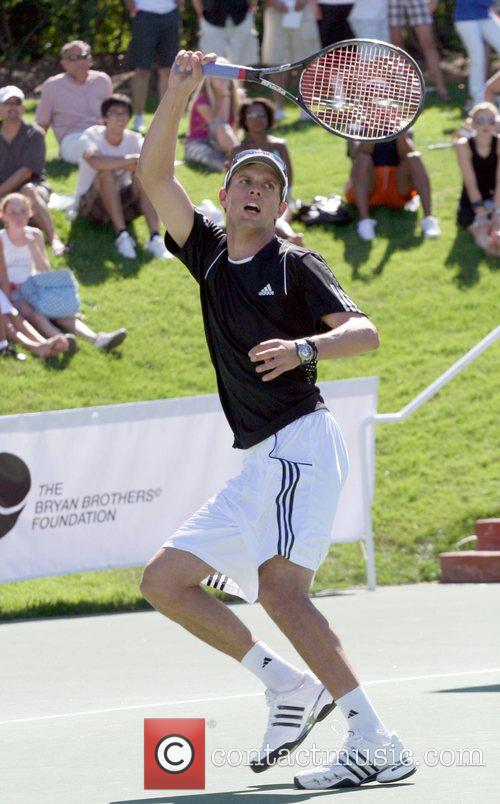 Mike Bryan All-Star Tennis Smash charity event to...