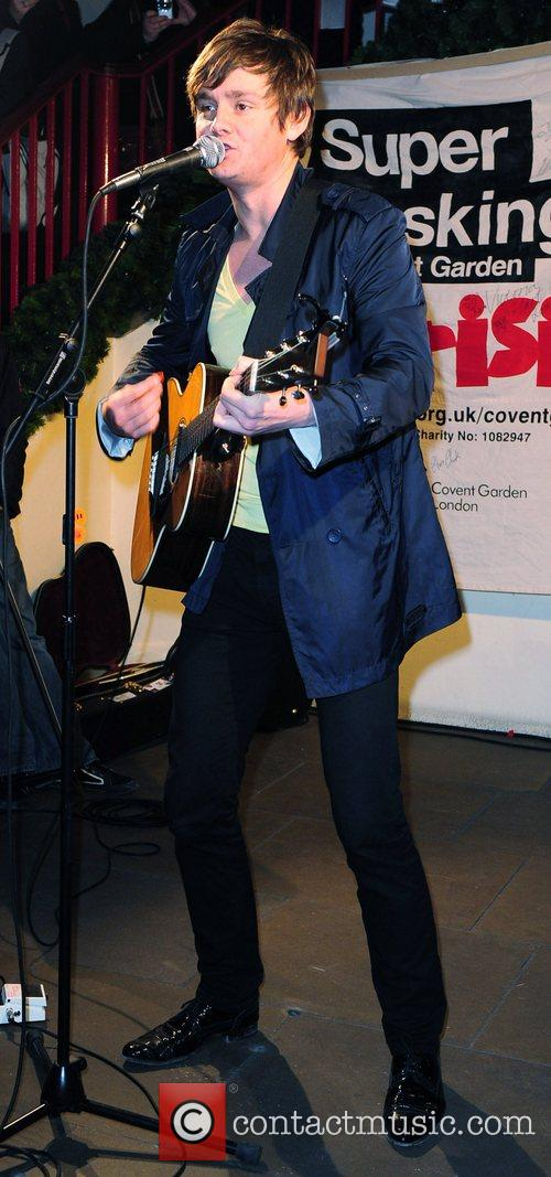 Tom Chaplin performing in concert to benefit Crisis...