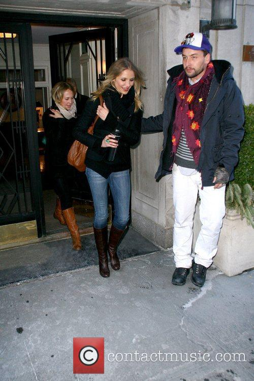 Cameron Diaz leaving her Manhattan residence carrying a...
