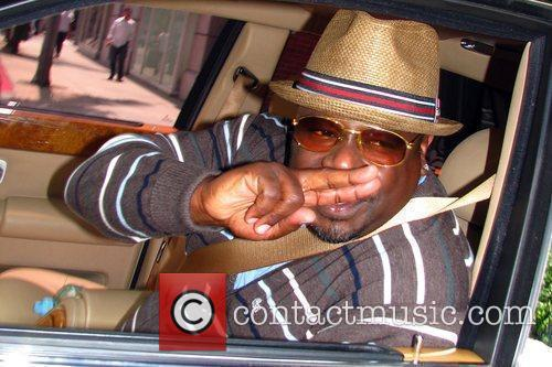 Cedric the Entertainer seen leaving a beauty salon...