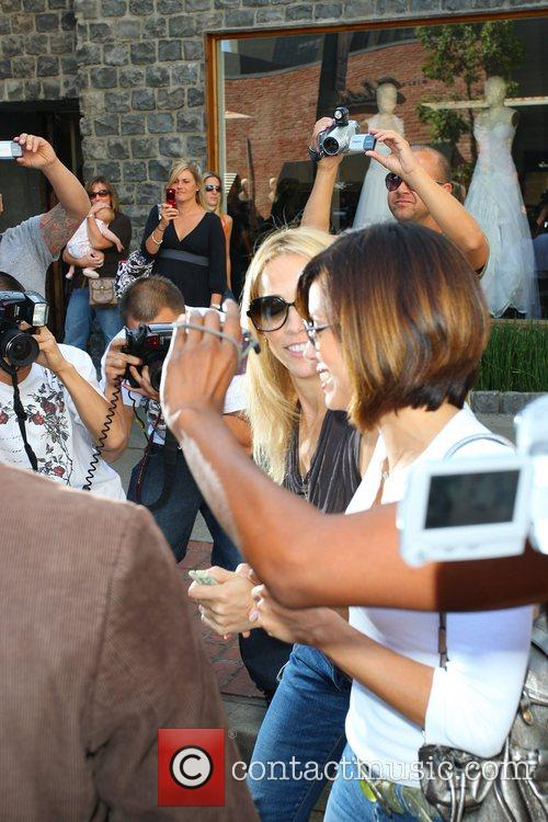 Sheryl Crow and Eva Longoria 11