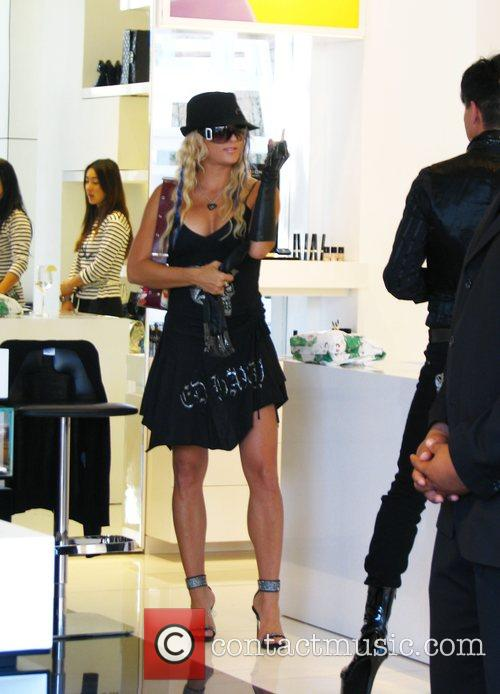 Rock of Love star, Heather Chadwell  shopping...