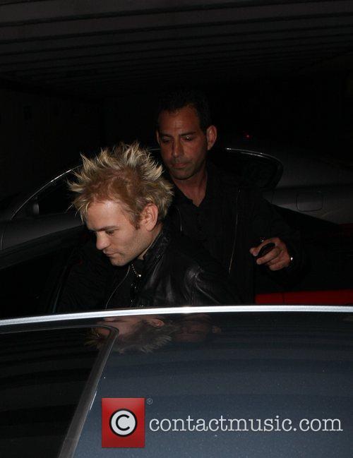 Deryck Whibley leaves My House nightclub Los Angeles,...