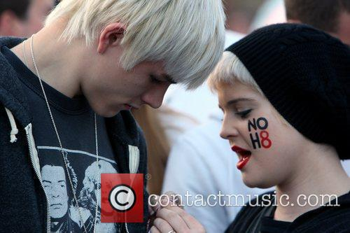 Kelly Osbourne and The Streets 8