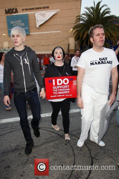 Perez Hilton, Kelly Osbourne and The Streets 2
