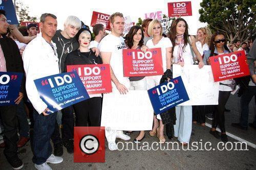 Adam Shankman, Kelly Osbourne, Perez Hilton, Sophia Bush, The Streets