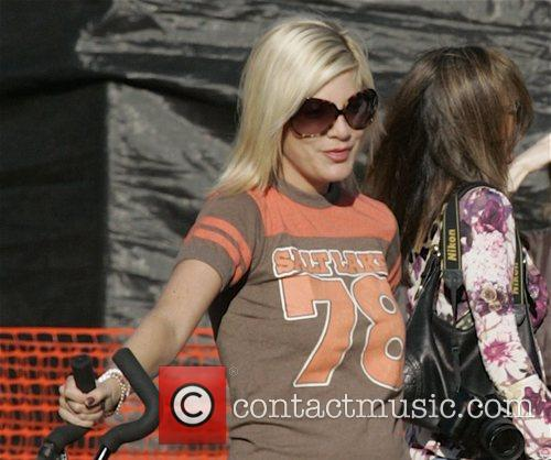 Tori Spelling at pumpkin patch at West Hollywood....