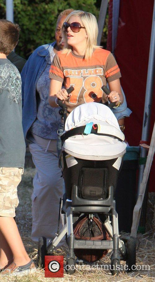 Tori Spelling and Family 7