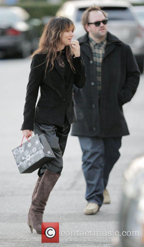 Juliette Lewis does some last minute Christmas shopping...