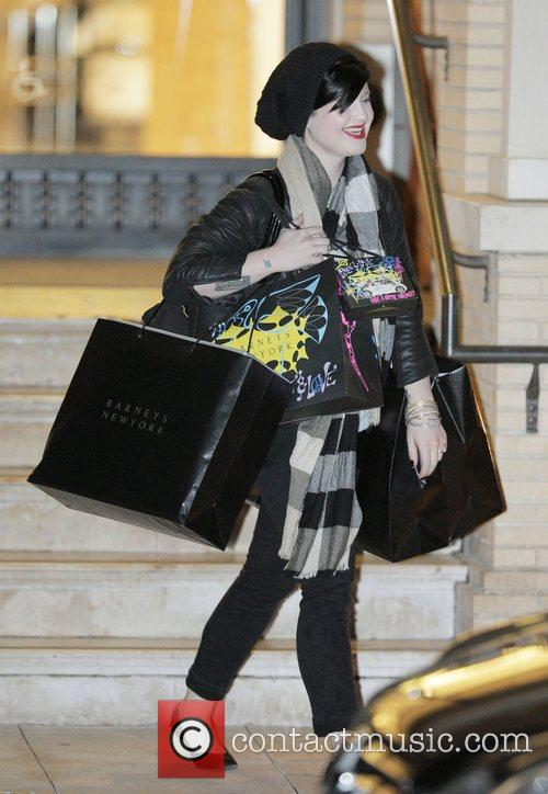 Kelly Osbourne  does some last minute Christmas...