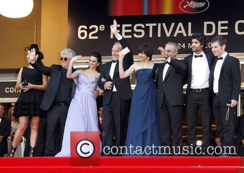 Rossy De Palma, Pedro Almodovar and Penelope Cruz 5