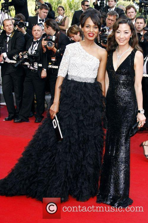 Michelle Yeoh and Kerry Washington 3