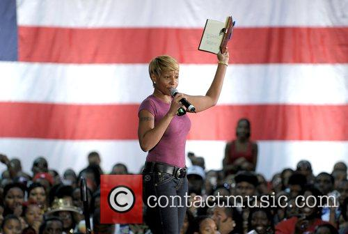 Mary J. Blige speaking at the Last Chance...