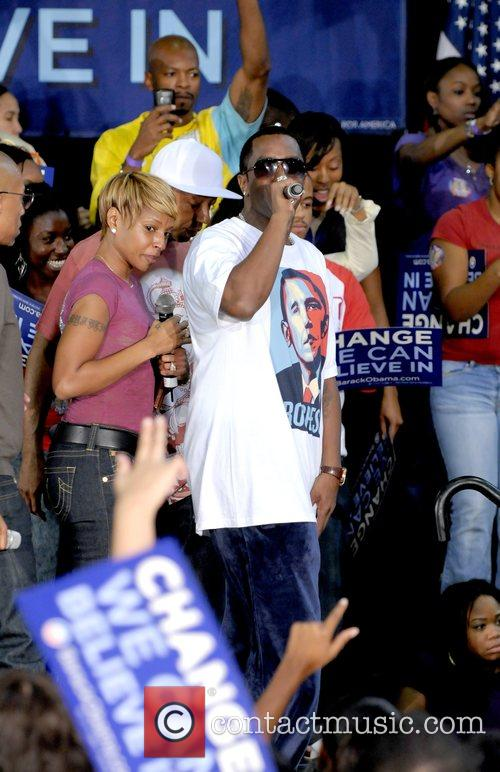 Mary J Blige and P Diddy Speaking At The Last Chance For Change Rally At Florida Memorial College 3