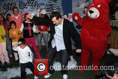 Joey Fatone and Kids 5