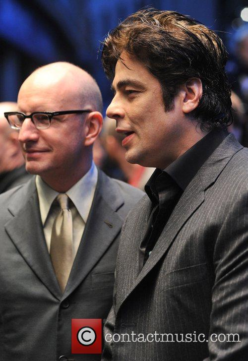 Steven Soderbergh and Benicio Del Toro 3