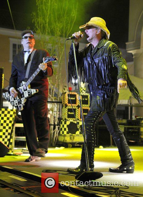 Rick Nielsen and Robin Zander CheapTrick performs live...