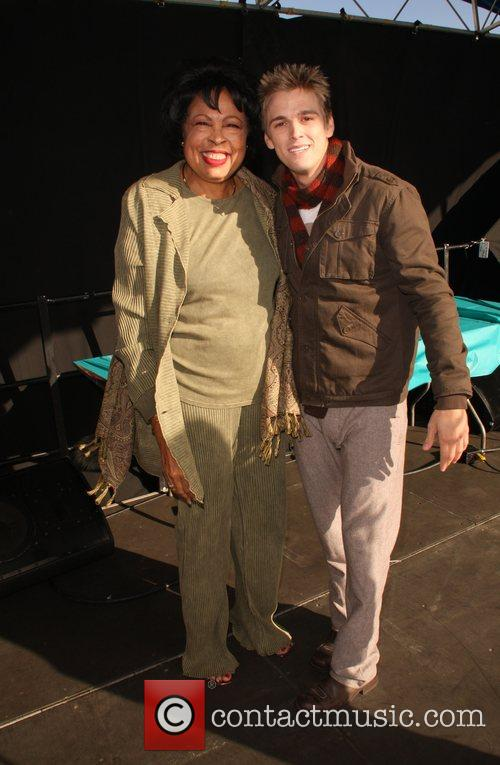 Diane Watson and Aaron Carter Children Uniting Nations...