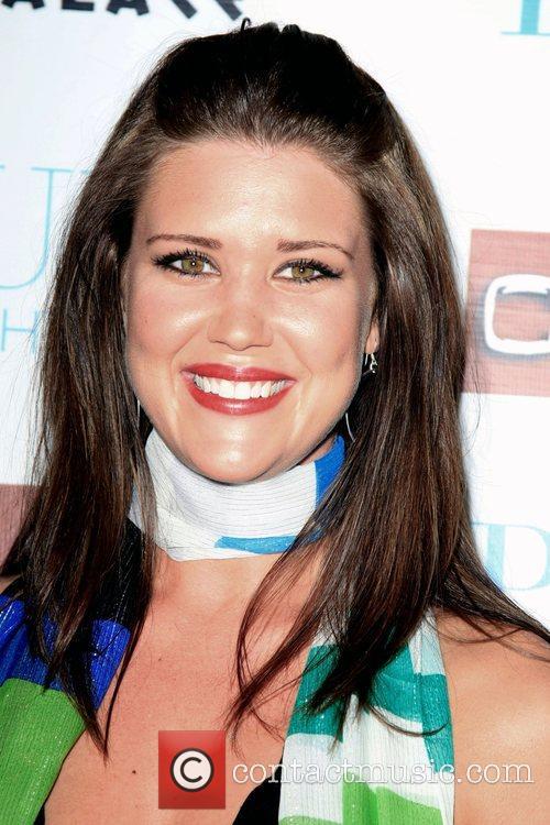 Sarah Lancaster 5