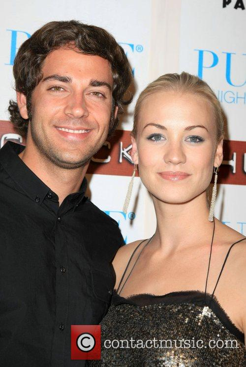Zachary Levi and Yvonne Strahovski 2