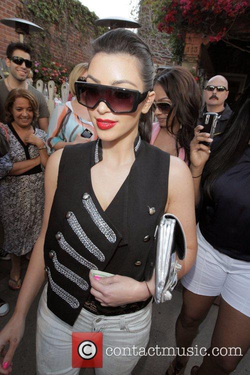 Kim Kardashian and Lala Vazquez 8