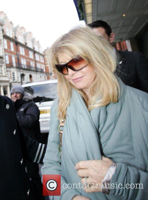 Goldie Hawn at Claridges hotel