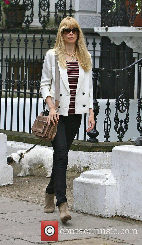 Claudia Schiffer dropping her children off at school...