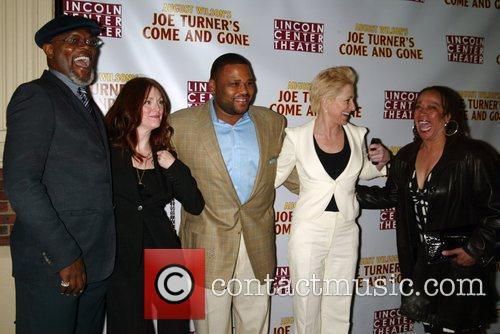 Samuel L Jackson, Edie Falco and Julianne Moore 4
