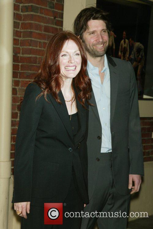 Julianne Moore and her husband Bart Freundlich 6