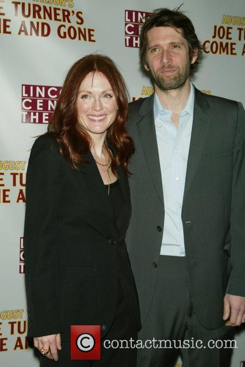 Julianne Moore and her husband Bart Freundlich 4