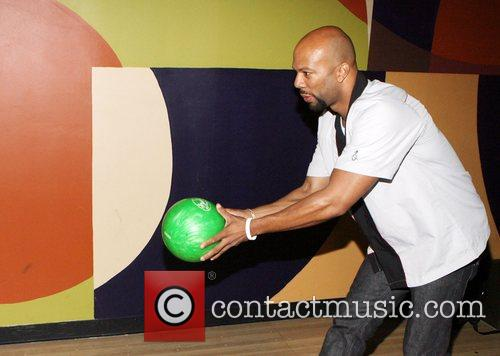 Common hosts the 'Start the Show n' Bowl'...