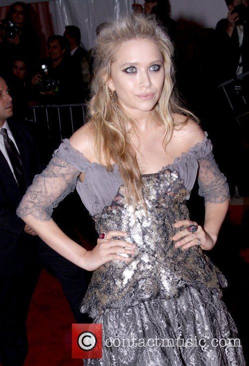Ashley Olsen Large Picture