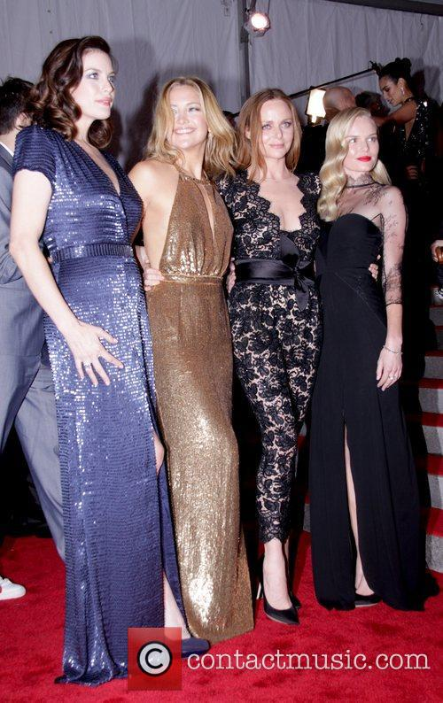 Liv Tyler, Kate Hudson, Stella Mccartney, Metropolitan Museum Of Art