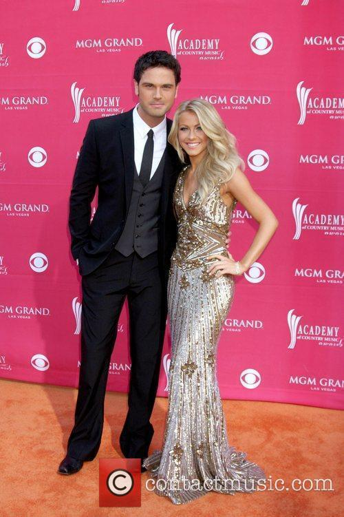 Chuck Wicks and Julianne Hough 2