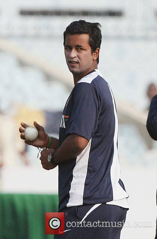 Pragyan Ojha during the net practice at Green...