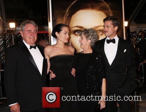 Bill Pitt and Angelina Jolie 5