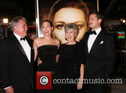 Bill Pitt and Angelina Jolie 4