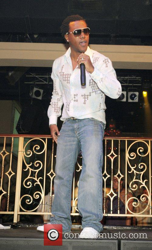 Kevin Lyttle performs live at Club Sobe Live...