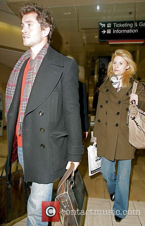 Hugh Dancy and Claire Danes 4